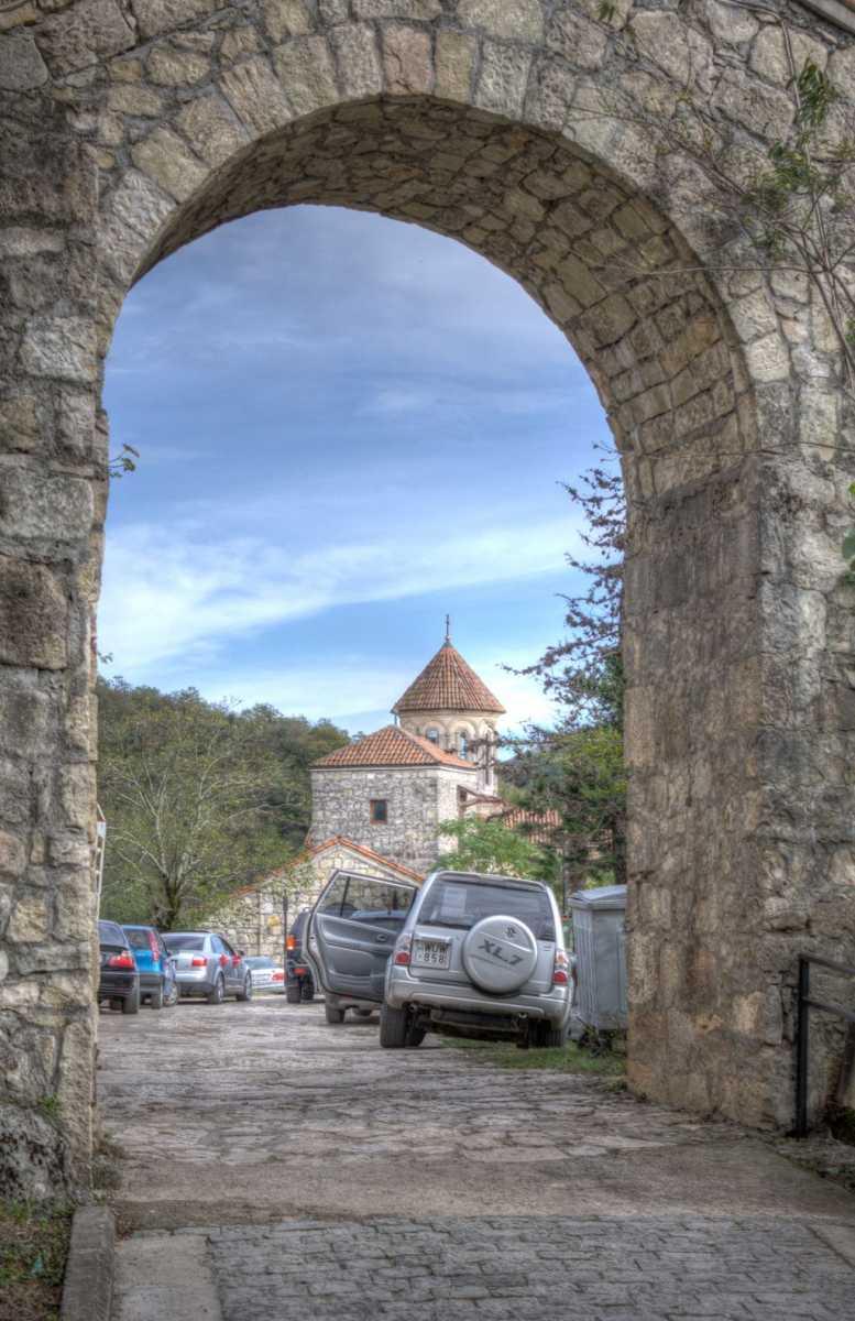 Entrance gates at Motsameta monastery