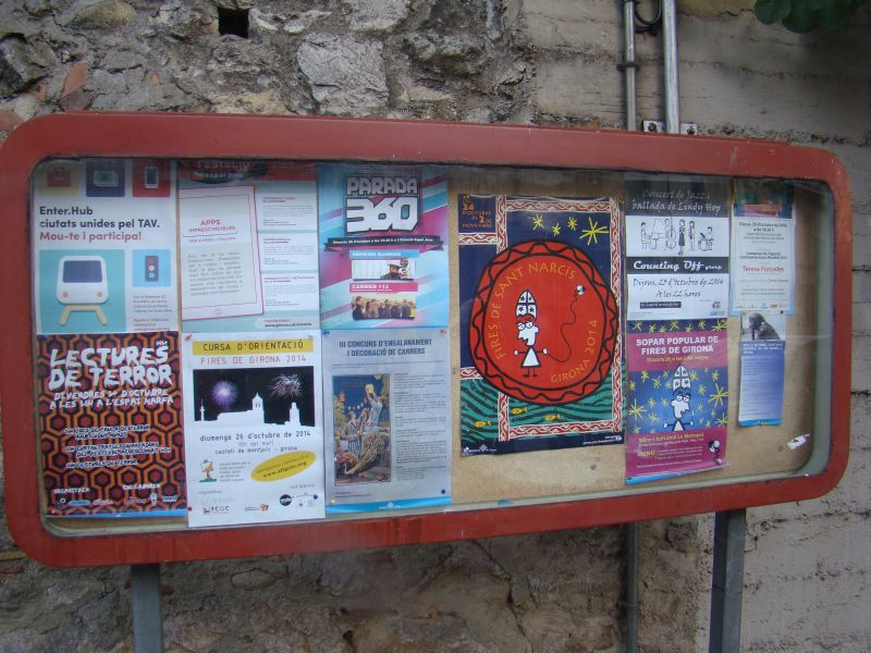 Girona Events desk