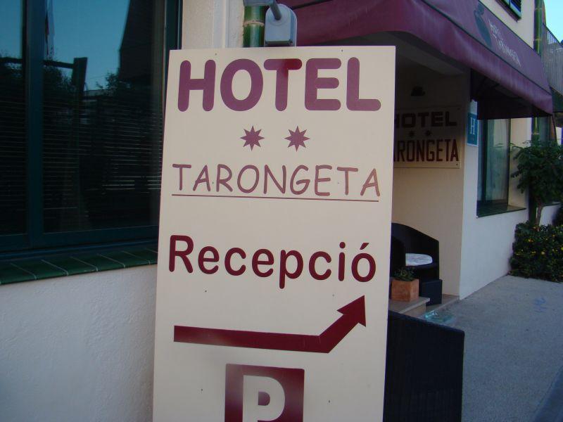 Sign right next to entrance at Hotel Targoneta