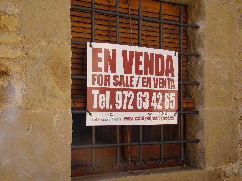 Property for sale on Peratallada