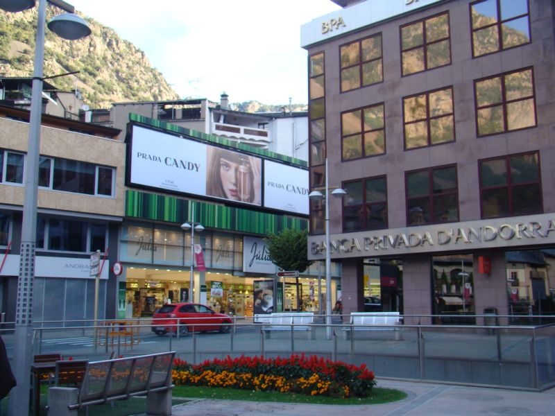 More shopping malls in Andorra