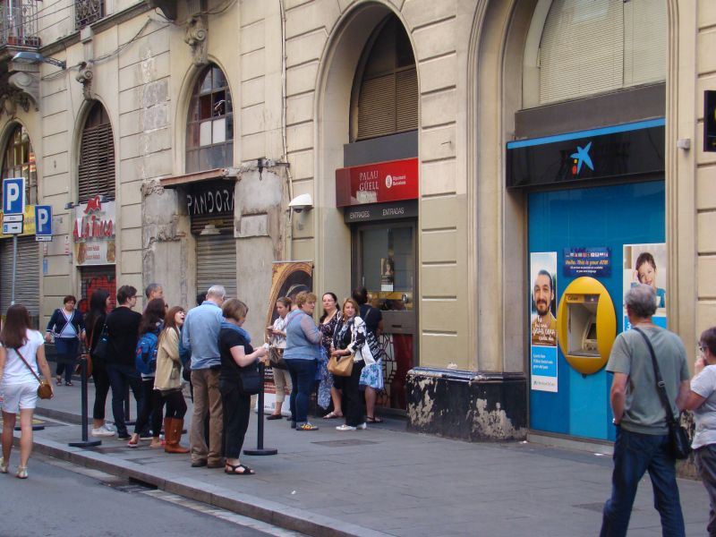 Queue at Palau Guell museum