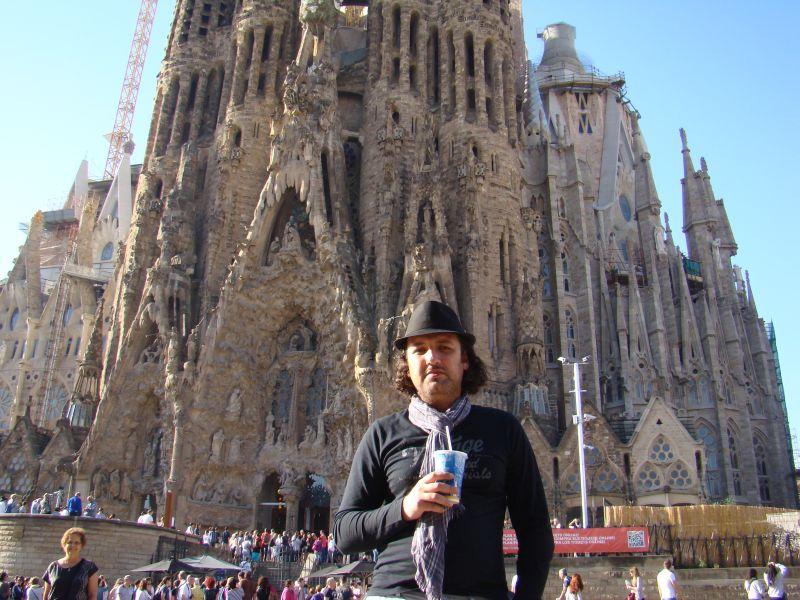 Author of this blog captured near La Sagrada Familia
