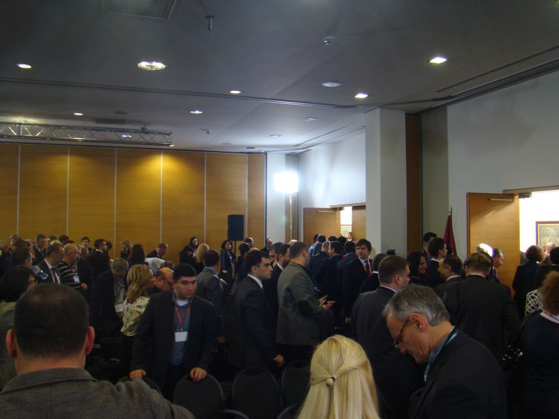 Latvian and Georgian business people