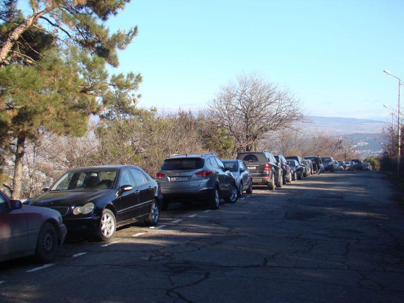 Car parking near Tbilisi lake