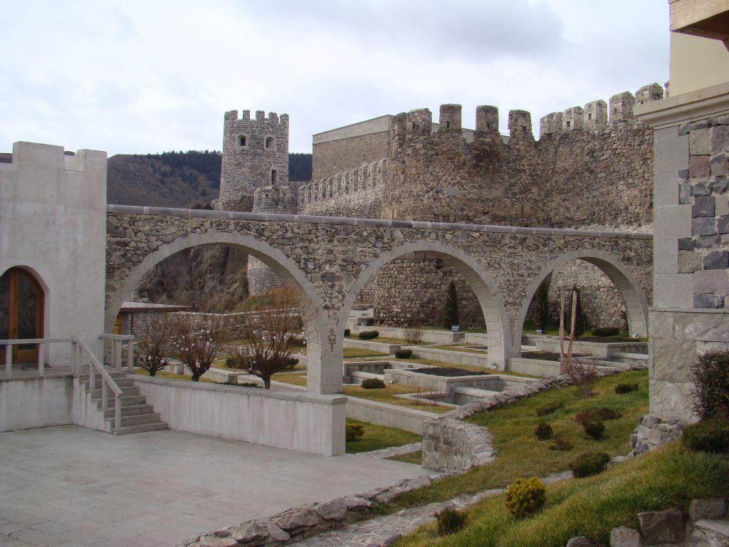 Arch bridge at Rabati complex