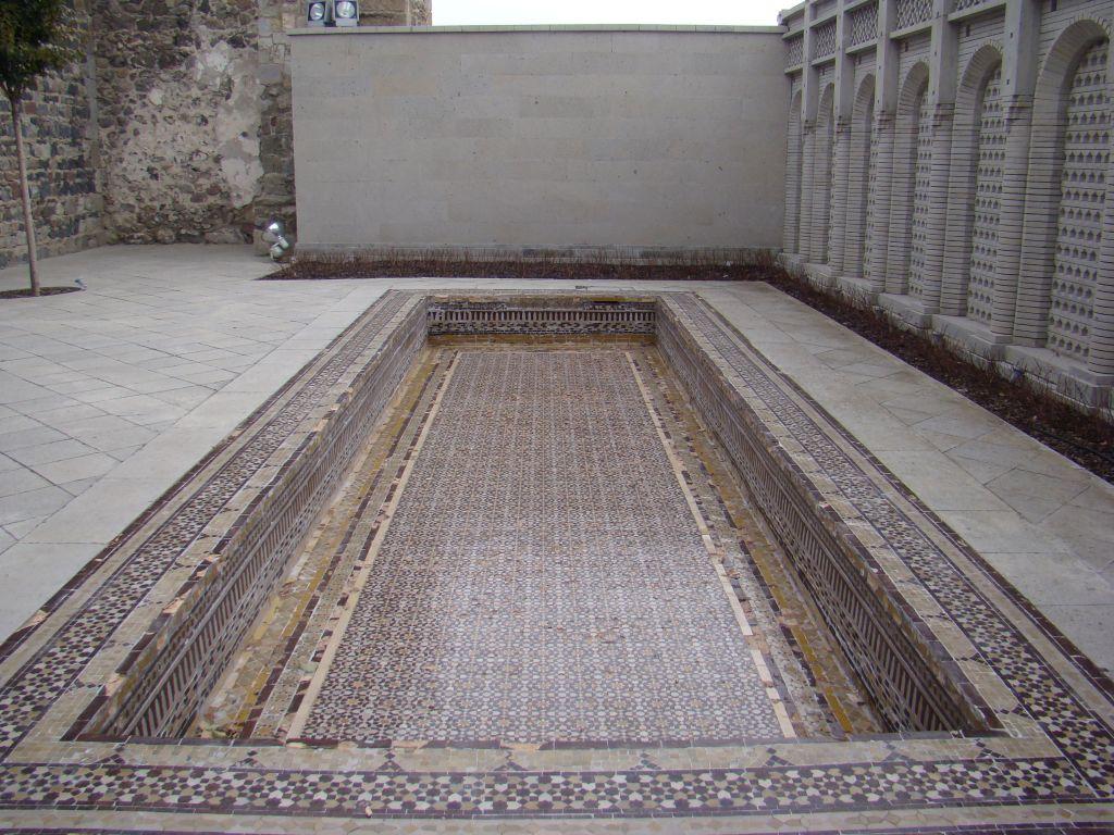Outdoor pool (decorative) at Rabati Fortress complex