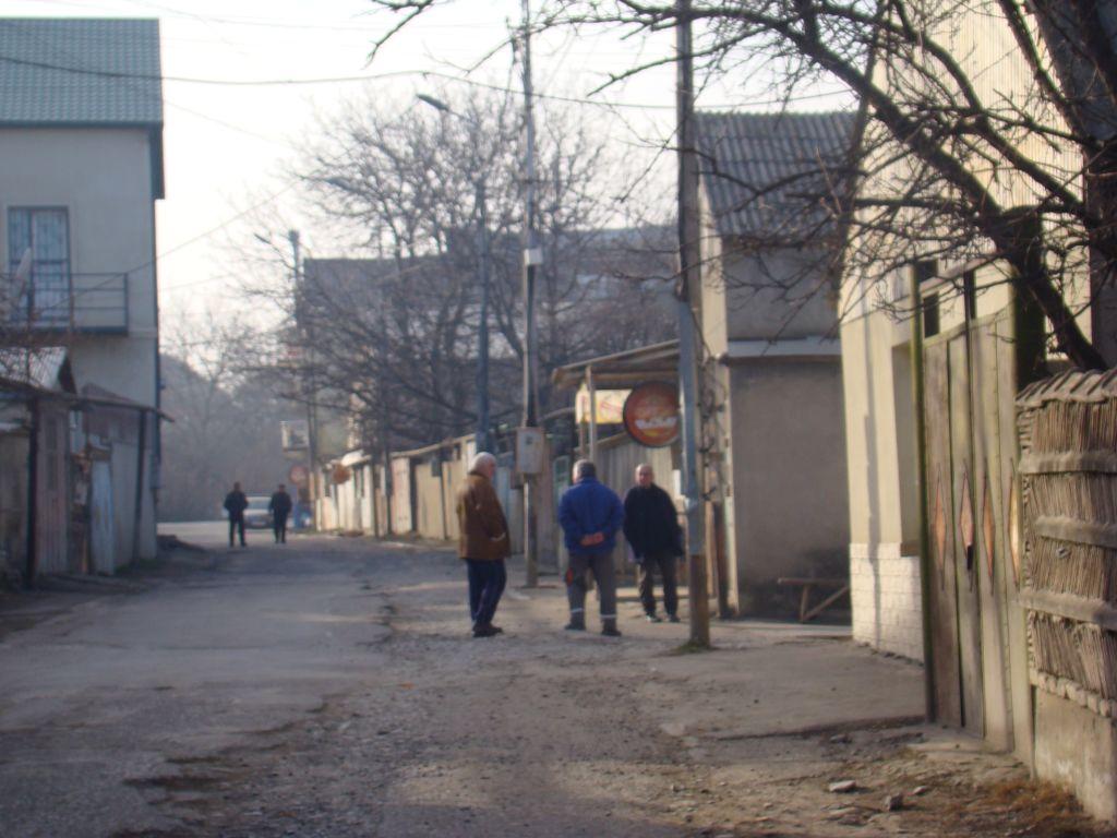 Locals on Tskneti streets