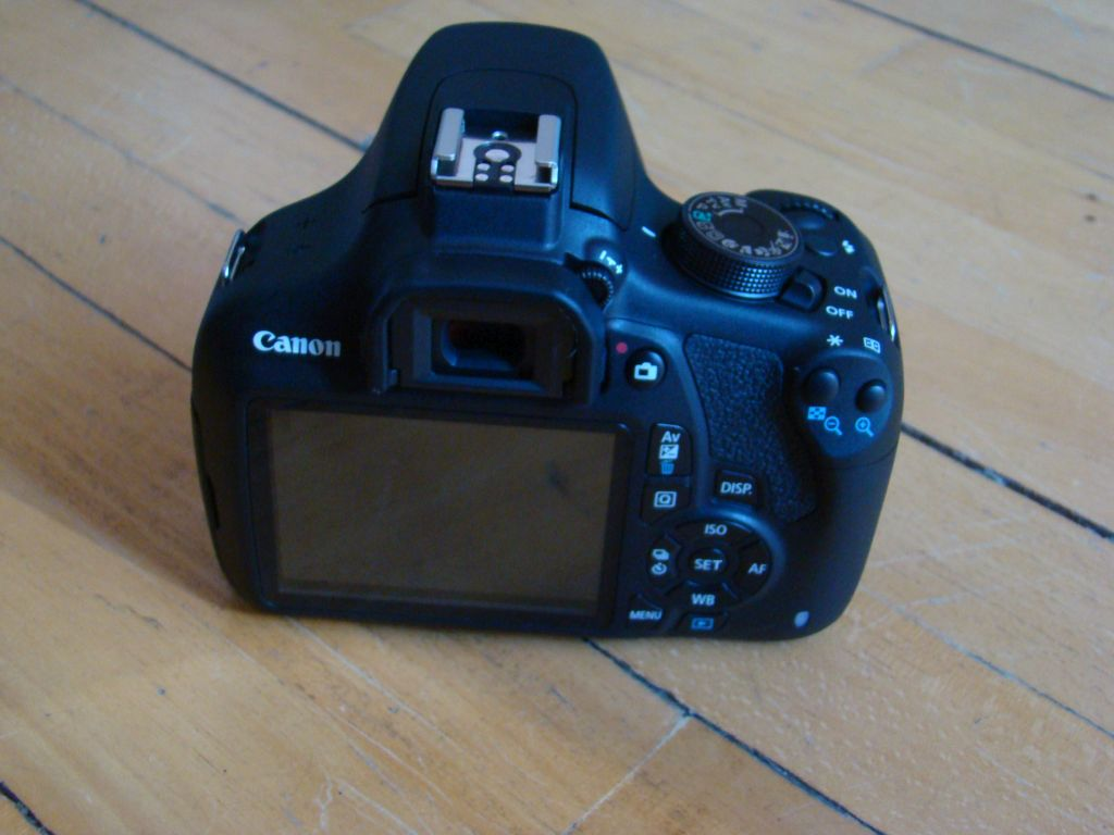 Canon EOS 1200D Body (Back view)