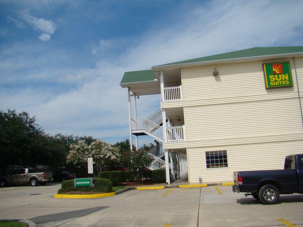 Sun Suites motel In Gretna
