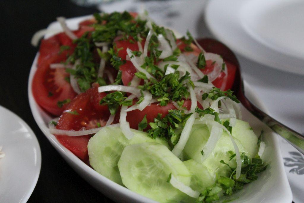 Tomato and Cucumber Chashnagiri Natakhtari restaurant