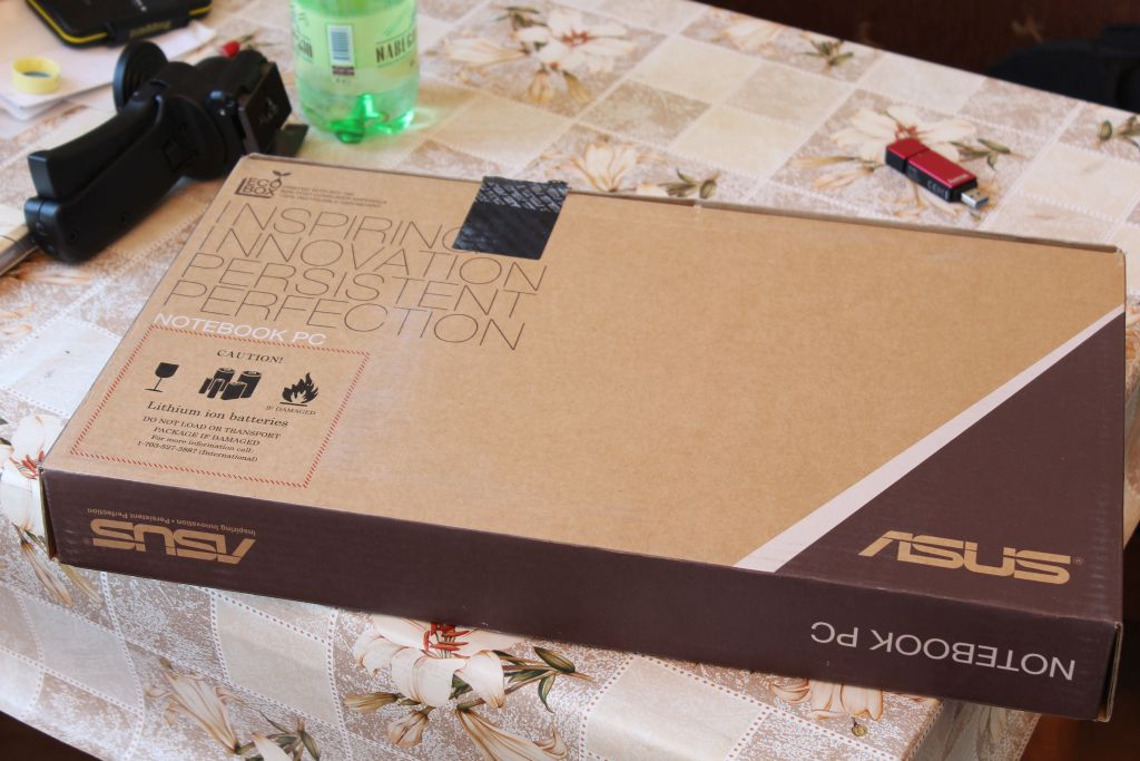 Asus X552M in the box