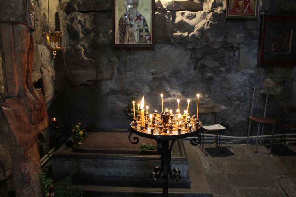 Prayer candles at Anchiskhati church