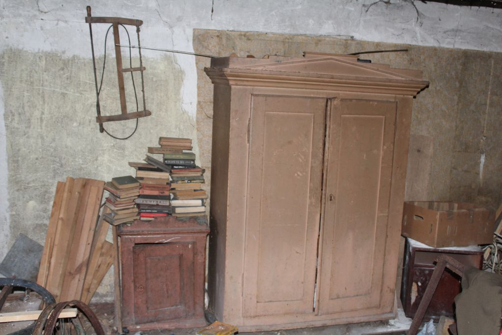 Old style tools and furniture