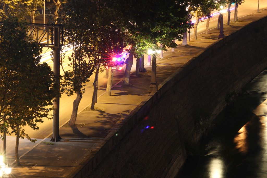 Georgian Police searching for a person in Mtkvari river