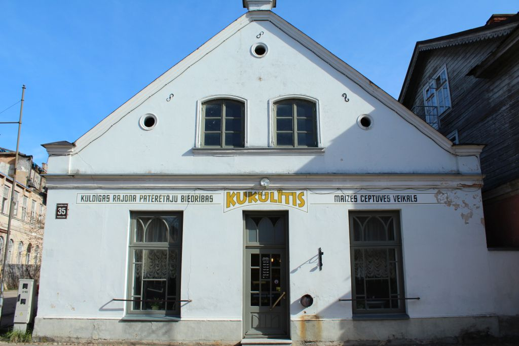 """Building in which """"Kukulītis"""" is located in"""