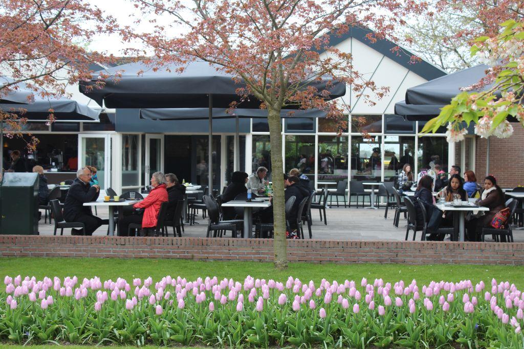 A cafeteria located in Keukenhof's garden