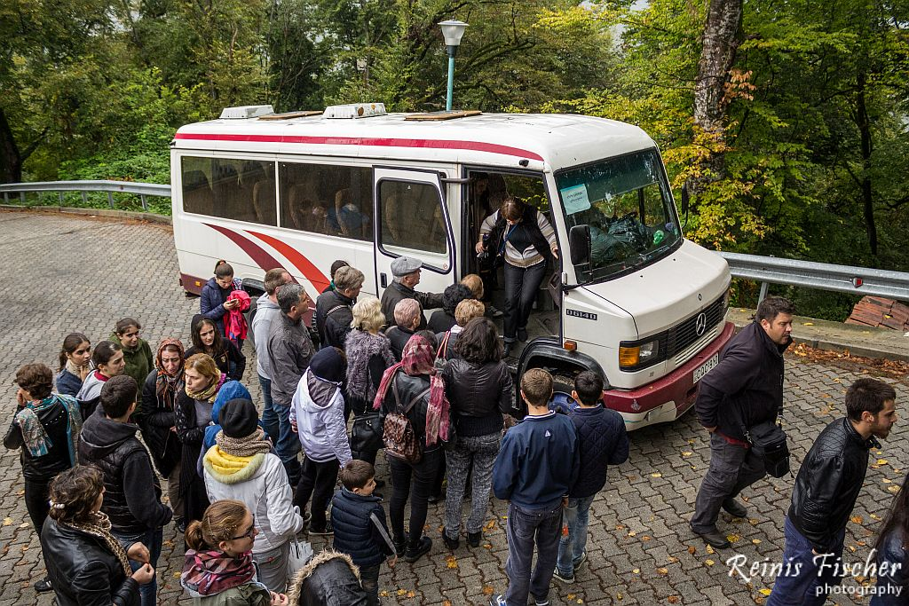 Bus taking tourists to the Nekresi monastery complex
