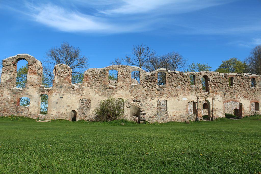 Dobele castle ruins