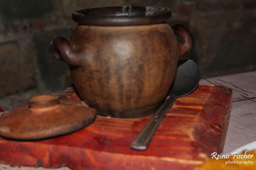 Traditional Georgian Lobiani in pot