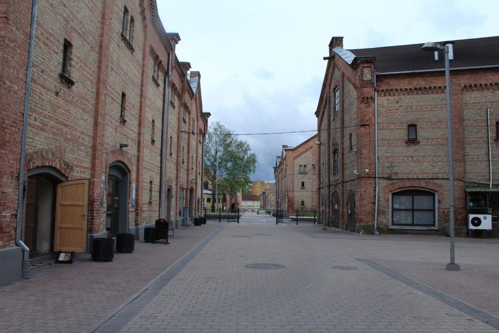 Spikeri Quarter promenade