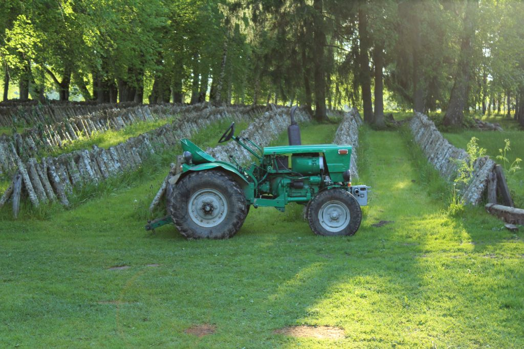 Mini tractor at Garīkas