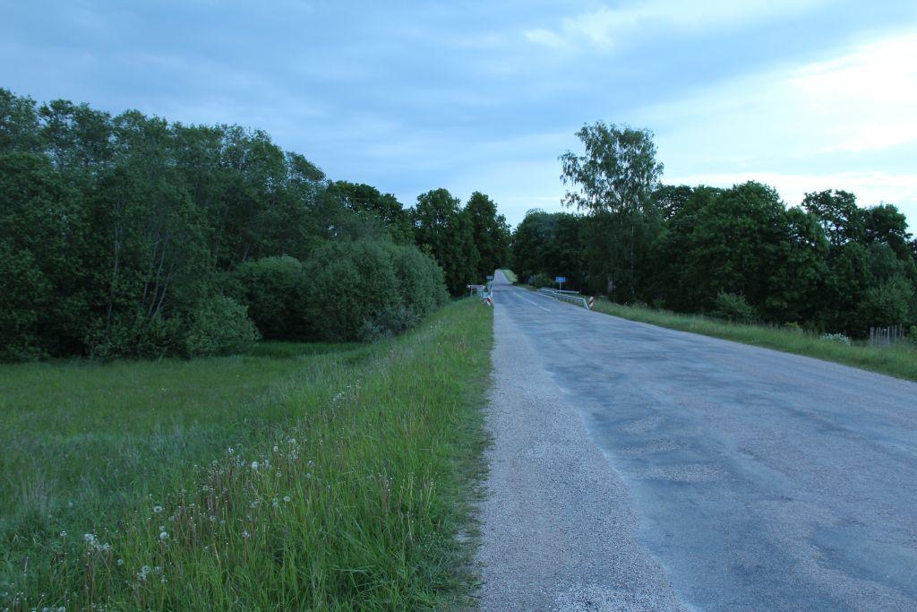 P 121 asphalt rad connecting Tukums - Kuldīga