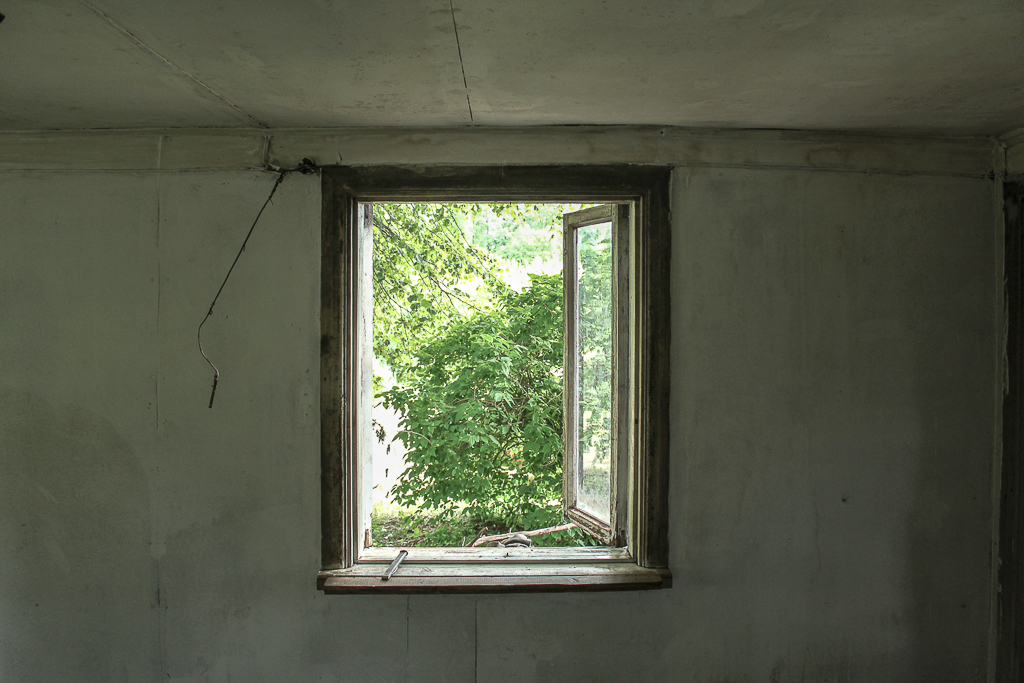 Window waiting to be painted