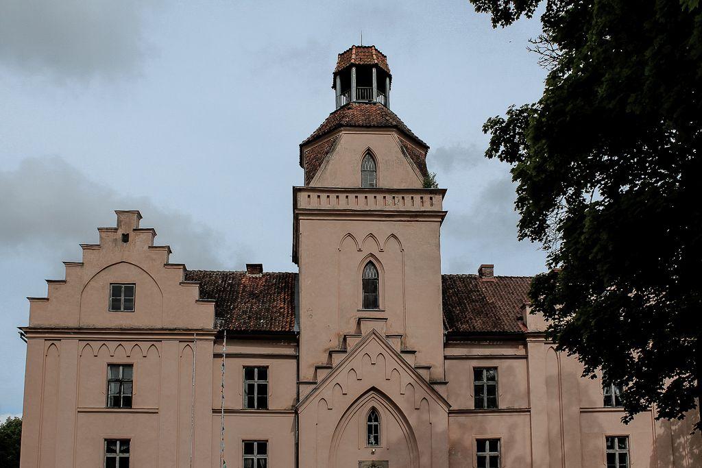 Ēdole castle complex