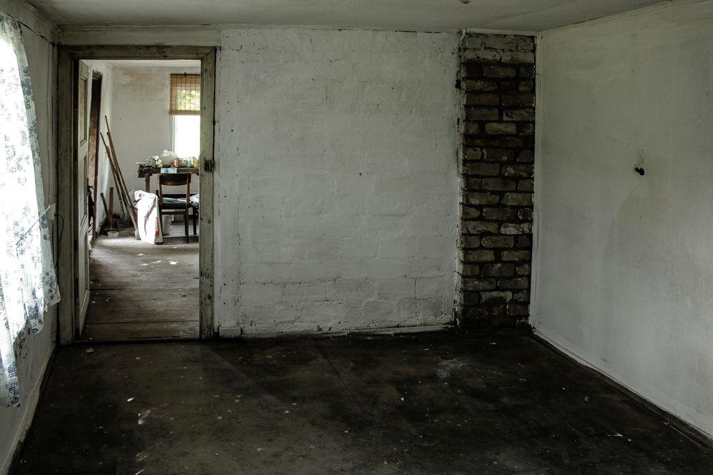 Bedroom prepared for floor painting