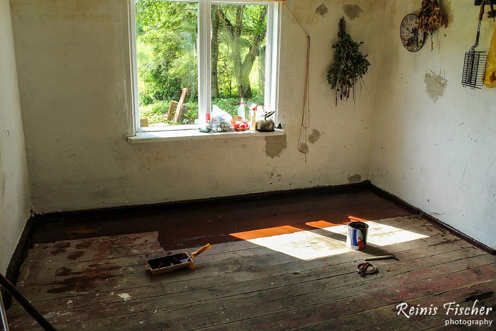 Painting kitchen floor