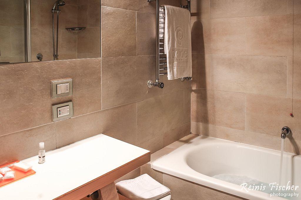 Bath at Hotel Celide