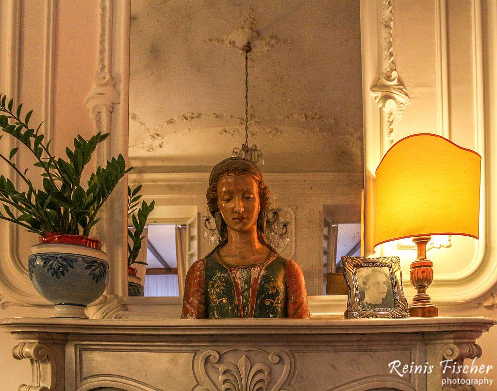 Decorations at Villa Carlota hotel in Florence