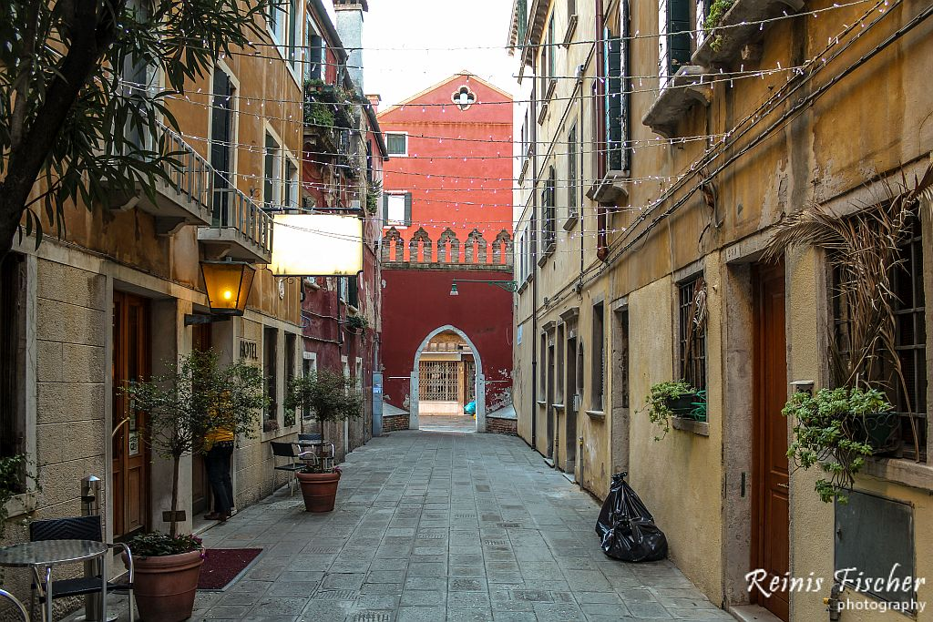 Inside yard at hotel Guerrini in Venice