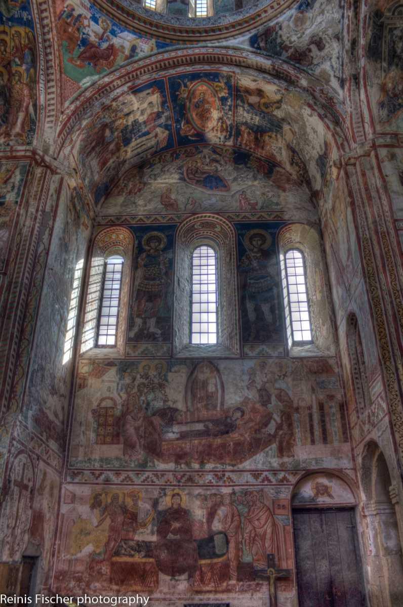 Wall paintings at Gelati monastery