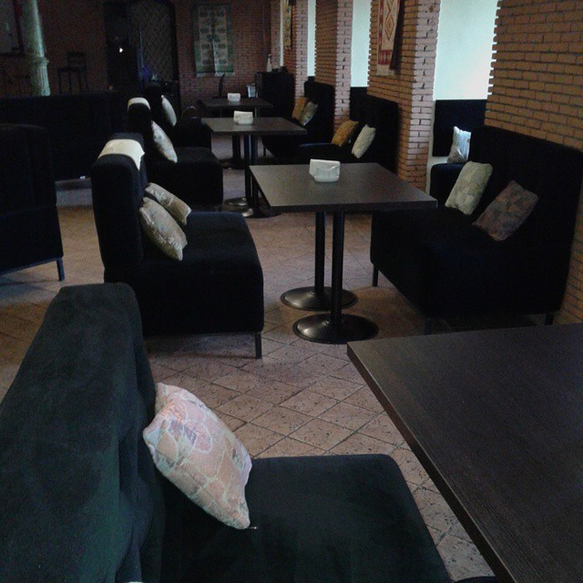 Comfortable sitting chairs and tables